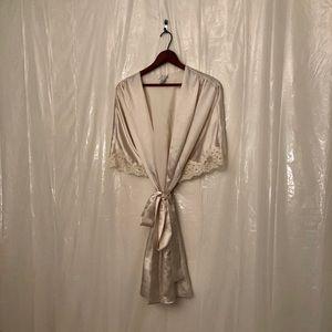 80s Vintage Cream Dream Robe